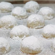 Walnut Butterball Cookies Recipe Substitute Pecans For The Walnuts And You Have Mexican Wedding