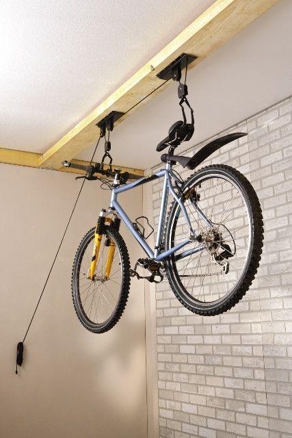 Mottez B128p Carrucola X Tirar Su La Bici In Alto Nel Garage Geniale Ed Economica Da Leroymerlin A 1 Bike Storage Garage Bike Storage Solutions Garage Bike