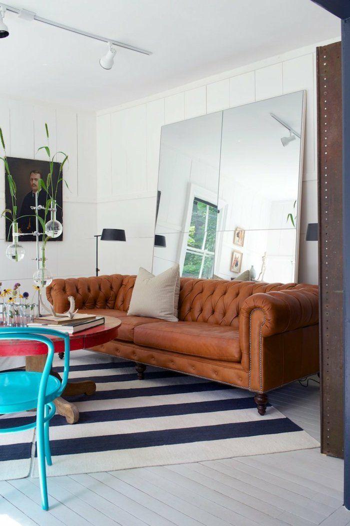 44 Wandgestaltung Ideen, wie Sie den Raum beleben - Wohnzimmer Braunes Sofa