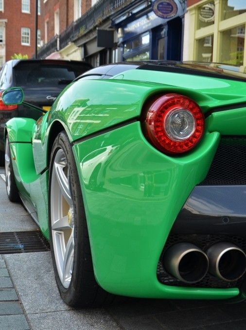 Ferrari Laferrari Big Ass! Also See #sports #car Screen Savers  Www.fabuloussavers.com/cars5.shtml