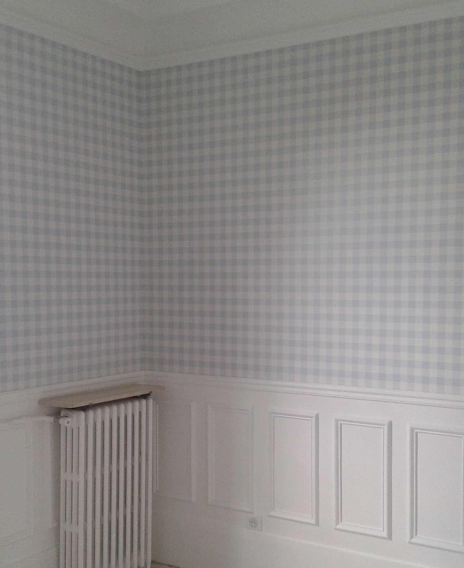 Room Seven Wallpaper Papier Peint Vichy Bleu