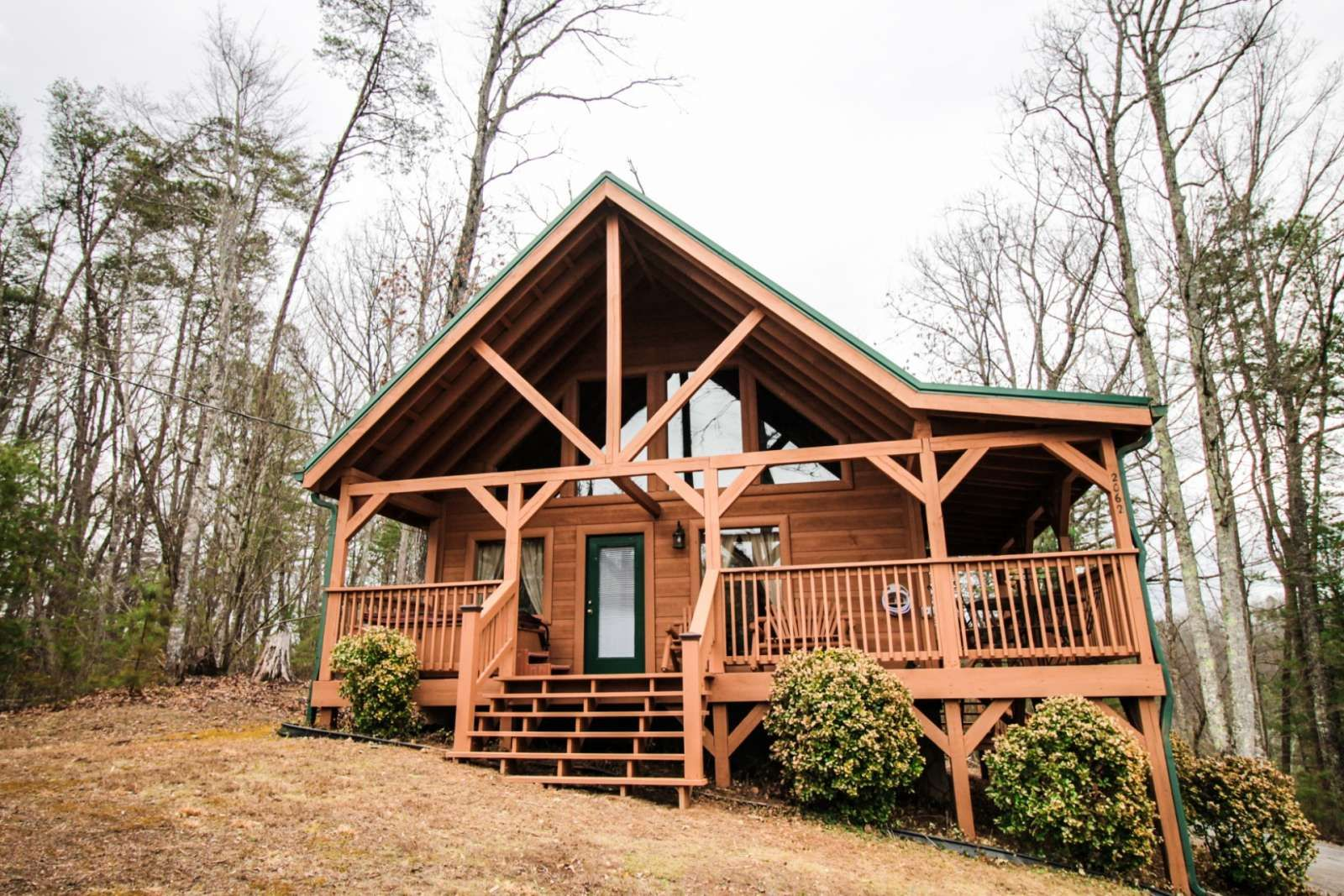 smoky bryson hot tn gatlinburg rentals cabin cabins view north with affordable for cheap great falls romantic mountains carolina rent city tub in and mountain