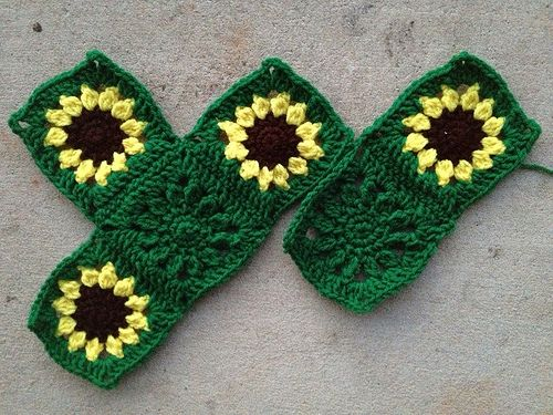 Sunflower Block Pattern Afghan | Six squares for the sawtooth ...