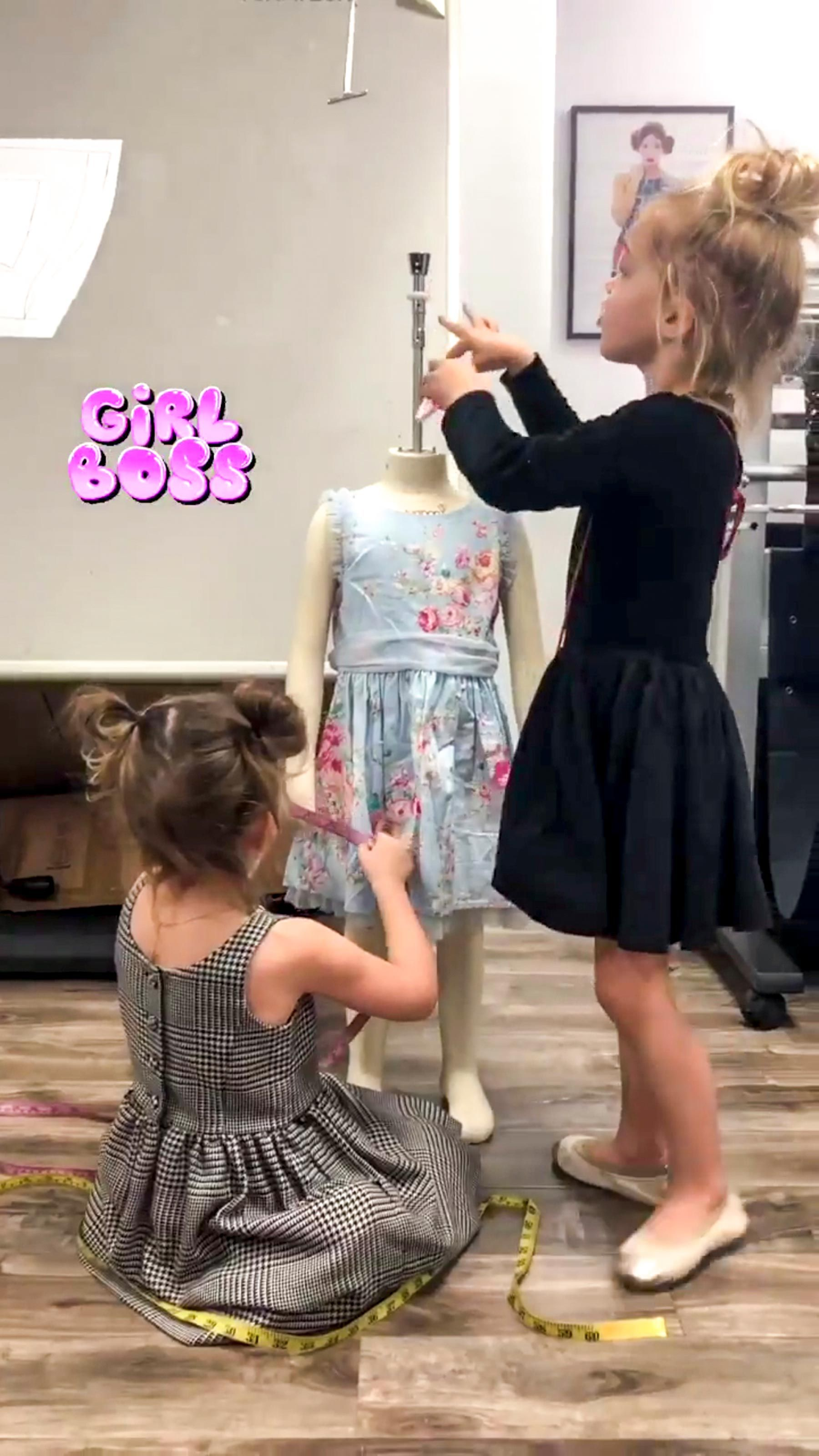Twins Mila And Emma Stauffer 4 Were So Excited To Design Their Own Line Sold At Target Midi Dress Sleeveless Plain Dress Casual Short Dresses Casual [ 3200 x 1800 Pixel ]