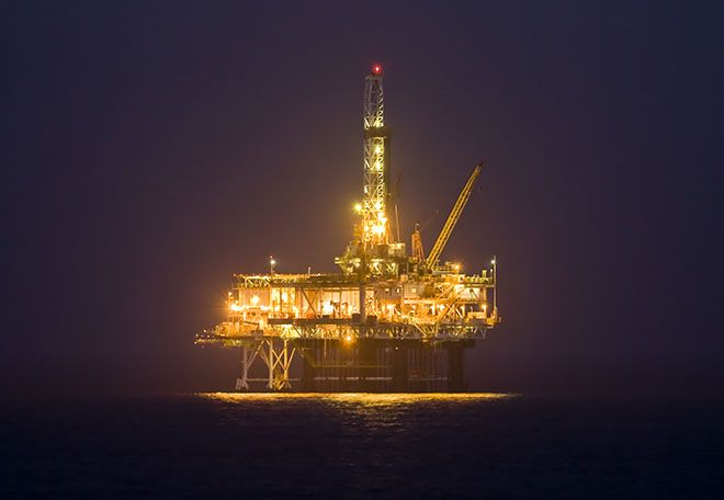 Offshore Oil Rig 660 Jpg 660 456 Pixels Oil Rig Oil Platform Oil And Gas