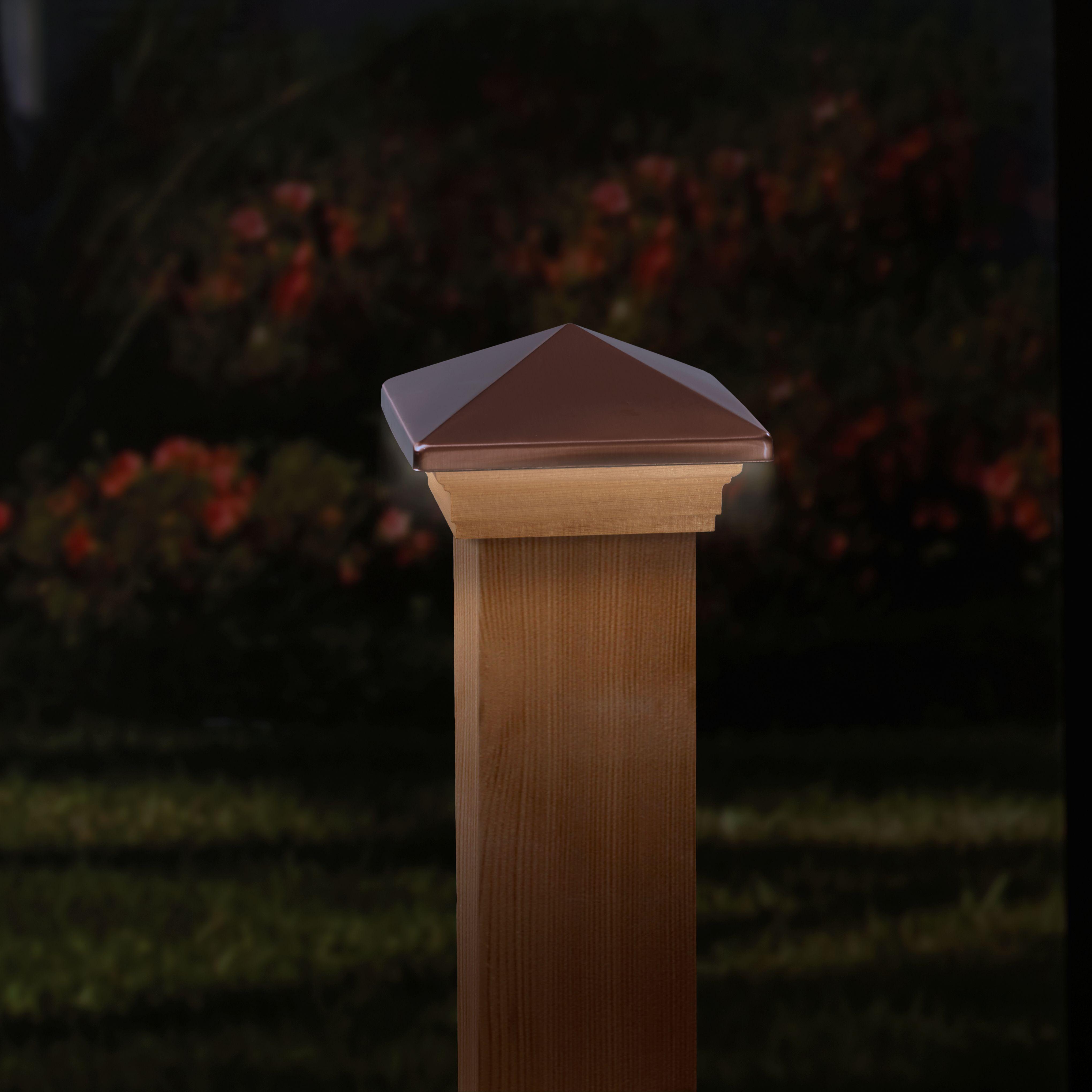 Best Deckorators Lv Copper Cedar Post Light Deckorators Wood 640 x 480