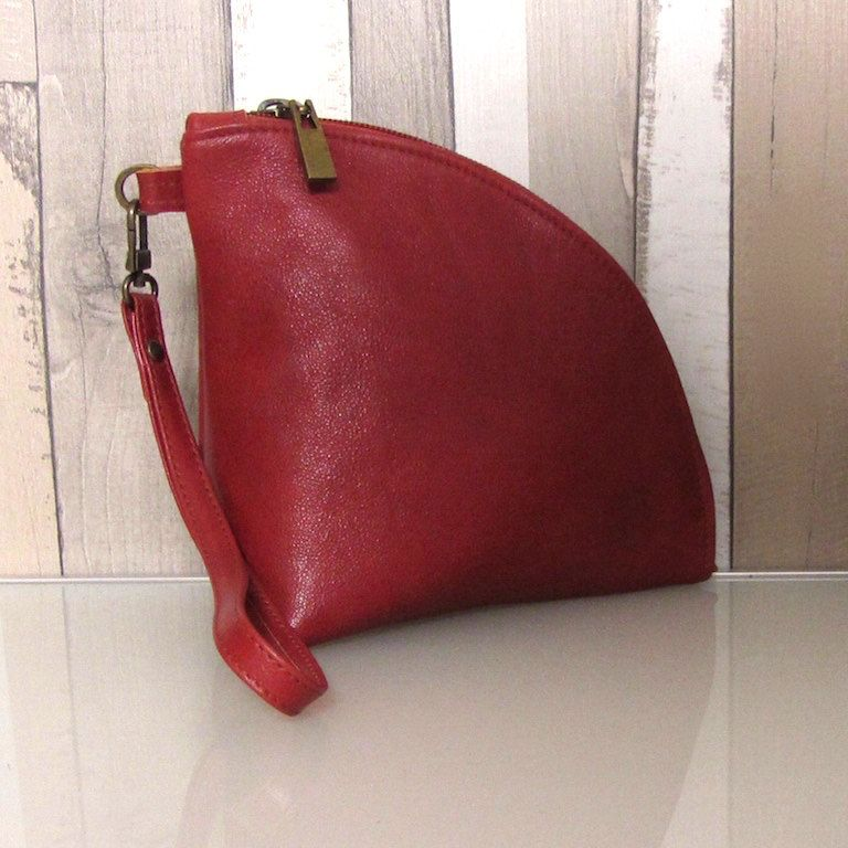 Leather Q-bag clutch / zipper pouch / bag organizer / wristlet in reddish brown / rust full grain Italian cow leather by rinarts on Etsy