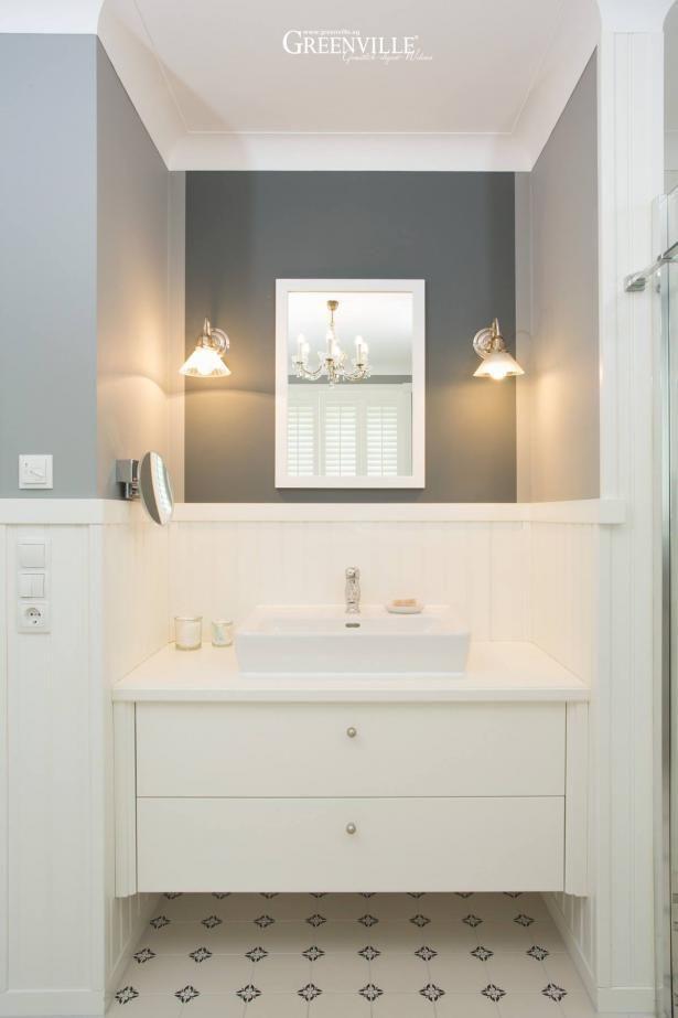 lavabo mit unterschrank ist perfekt eingepasst die w nde sind in einem warmen mausgrau. Black Bedroom Furniture Sets. Home Design Ideas