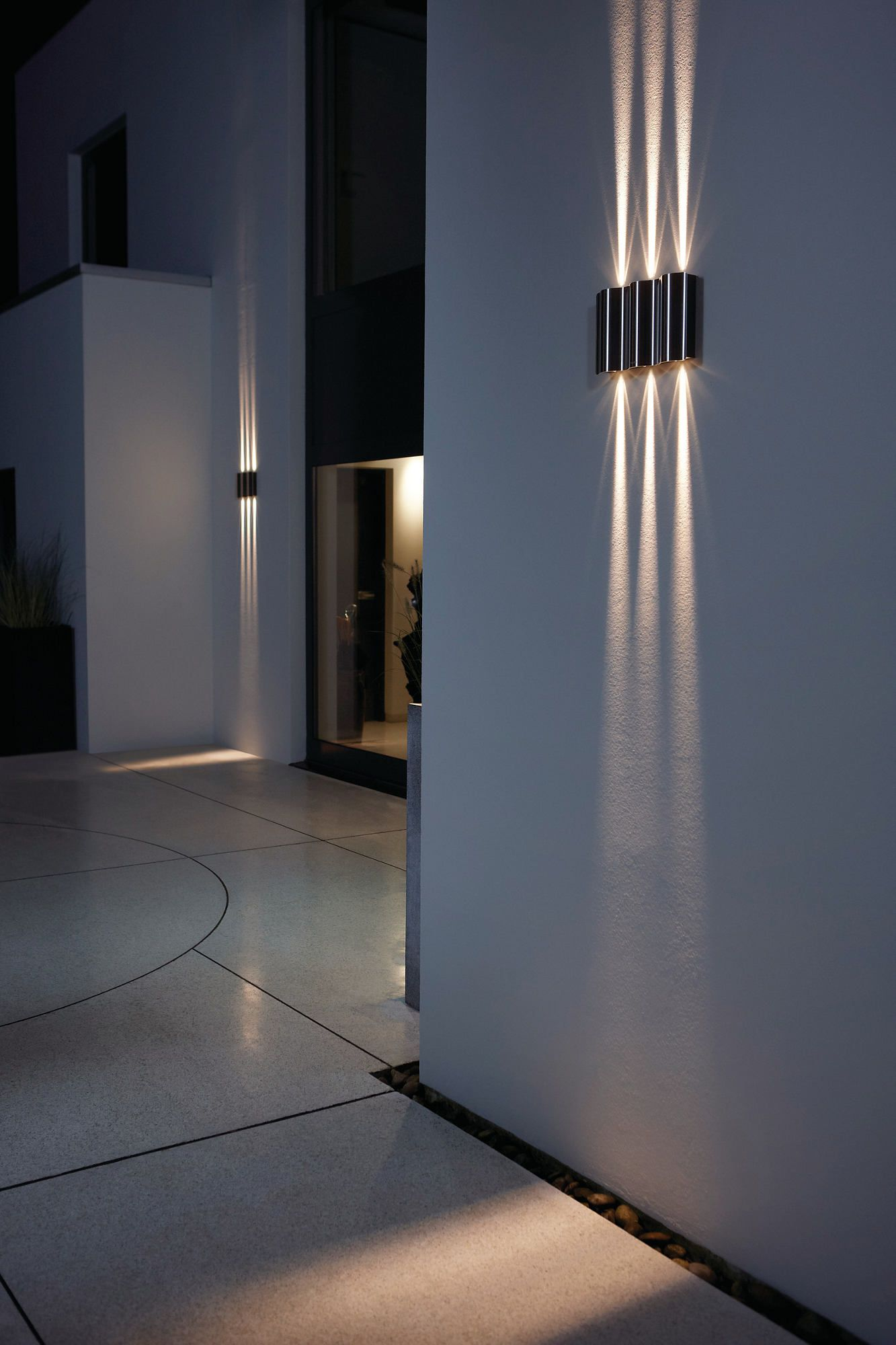 Sunkiss wall lantern led philips more occupying wall