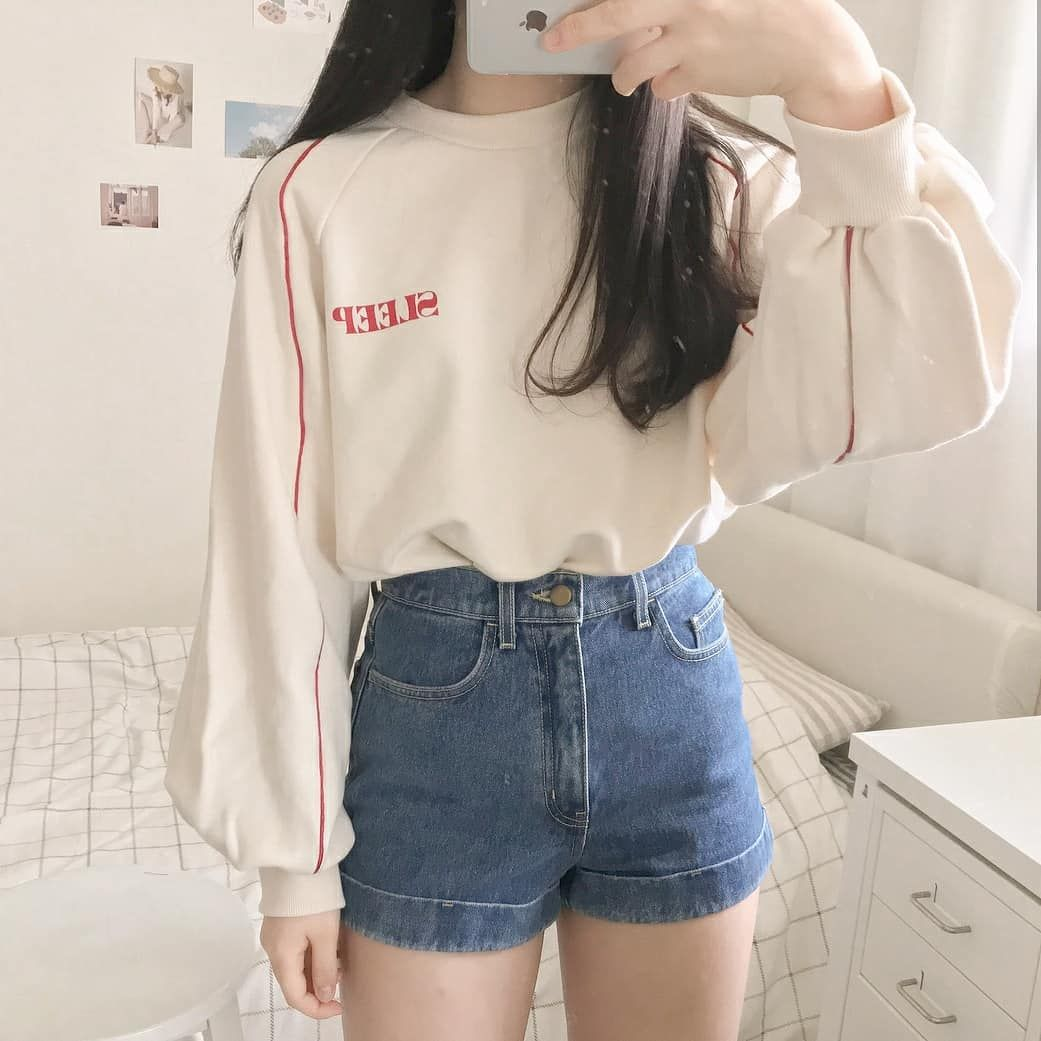 Oversized Crewneck High Waisted Jean Shorts Maybe Some Thigh Highs Korean Fashion Trends Korean Street Fashion Korean Fashion