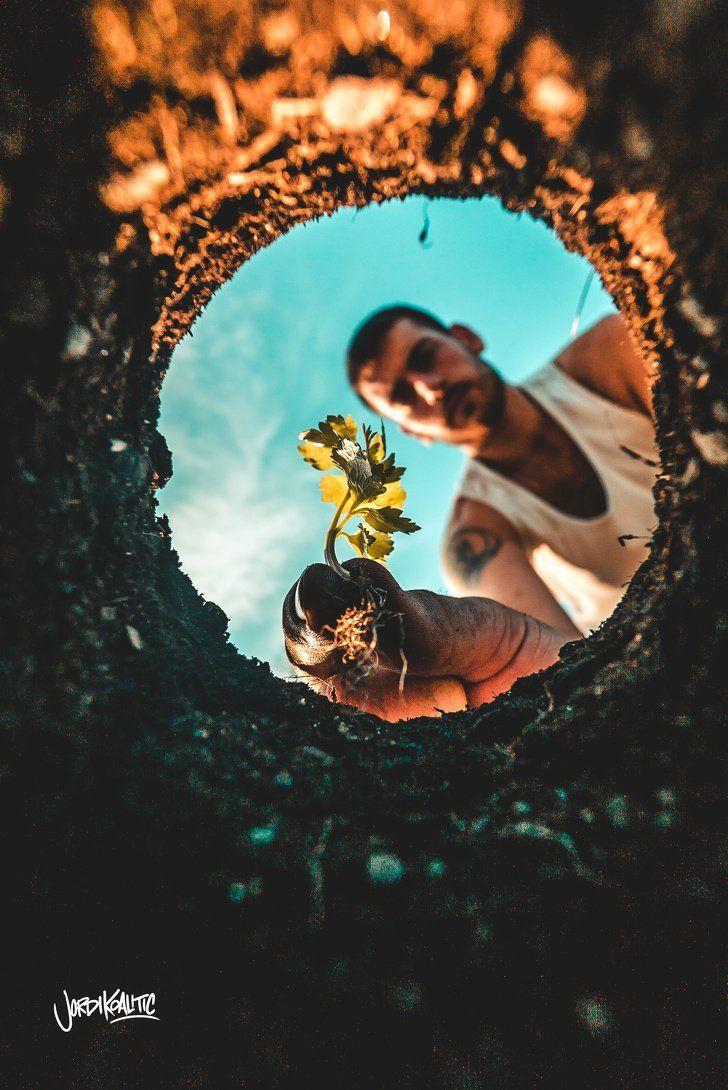 Un fotógrafo español nos muestra cómo las cosas ordinarias pueden transformar una foto, y es por ello que quisimos compartirlas