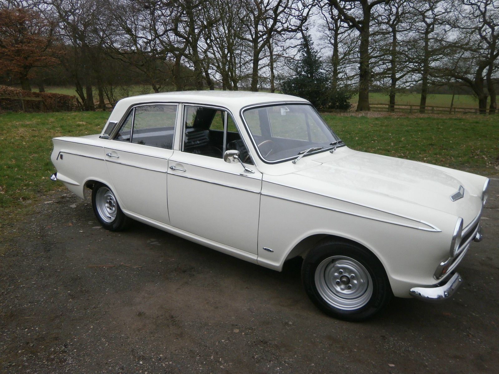 1966 D Ford Cortina Mk1 Export Gt 4dr In Ermine White Black