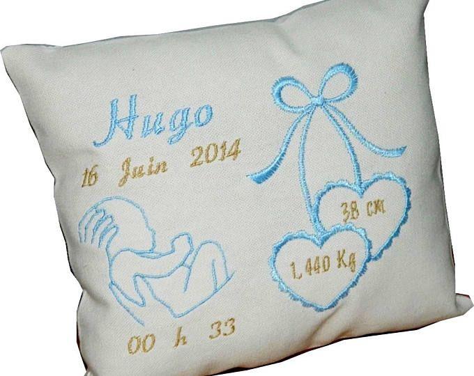 coussin naissance brod personnalis pr nom date cadeau souvenir bapt me mariage communion. Black Bedroom Furniture Sets. Home Design Ideas