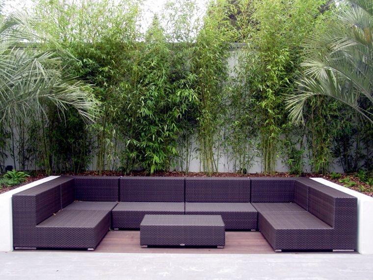arredo terrazzo moderno in rattan con il pavimento in legno naturale ...
