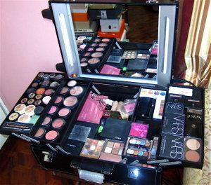 L'oreal Makeup Kit | cosmatics: L'oreal Paris Makeup Kit want and need