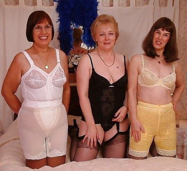 чулки панталоны и трусы для зрелых женщин фото - 4