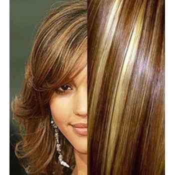 Couleur de cheveux chocolat et meche blonde