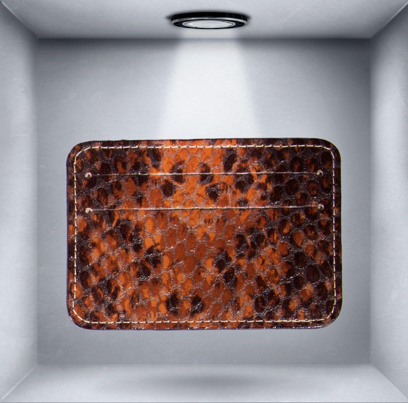 Tarjetero de piel de Cocoon, una nueva firma de complementos para mujer realizados por los mejores peleteros nacionales con pieles traidas de Italia. http://www.unicoandcool.com/marcas/cocoons-bags.html (También disponible en Miss Cool).