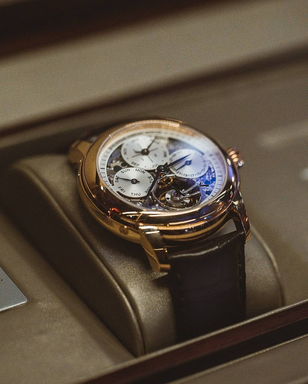 Frederique Constant On Instagram Close Up On Frederiqueconstant S Latest Novelty The Incredible Rose Mens Fashion Watches Timeless Watches Watches For Men