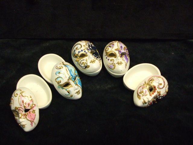 Ceramic box .Hand made   http://maskmaskerelle.blogspot.com