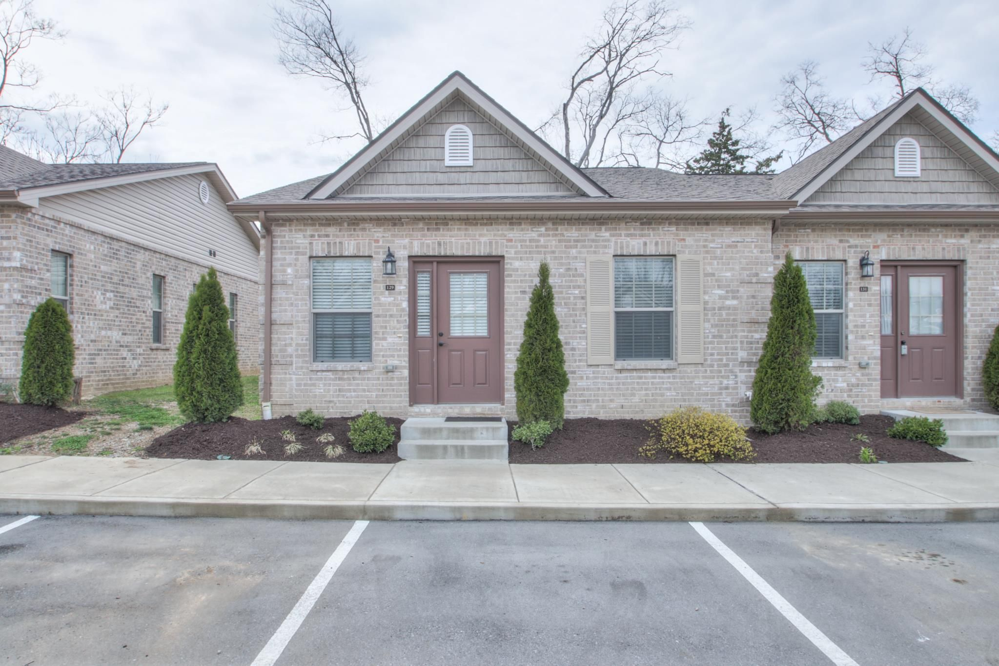 129 Velena St Franklin Tn 37064 2 Bed 2 Bath 253 500 Small Enclave Of 1 L House Prices First Time Home Buyers Home
