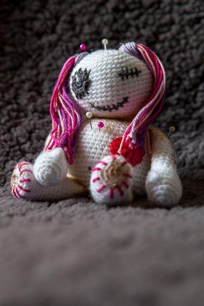 Halloween crochet voodoo doll pattern   It's Amigurumi All