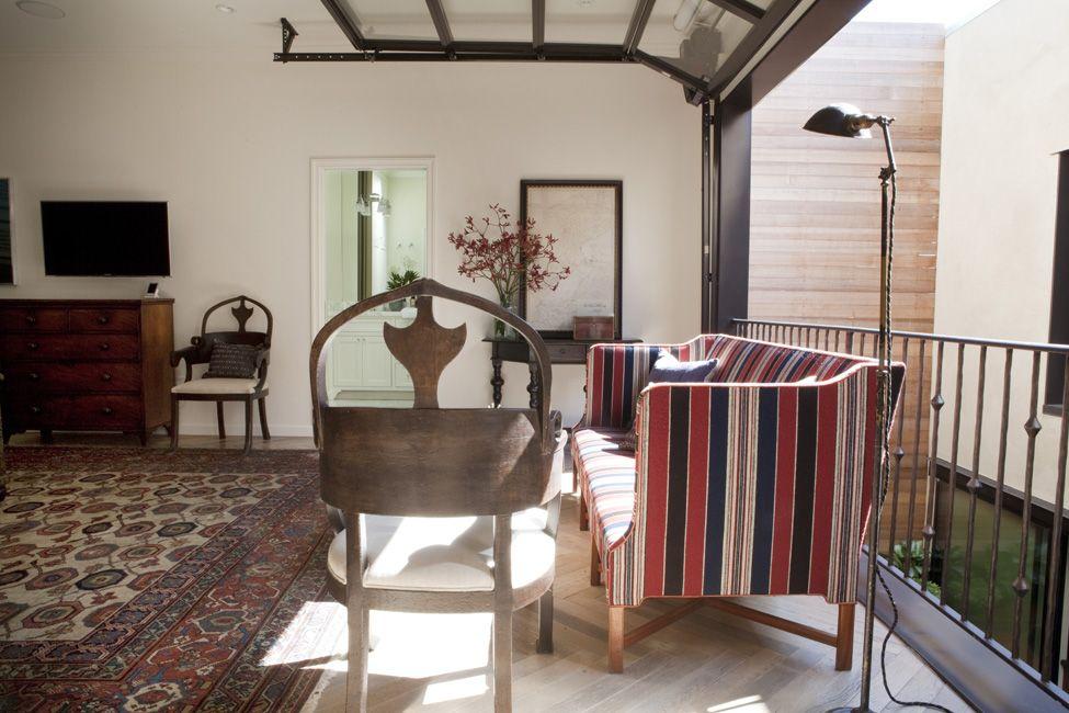 overhead garage door creates privacy when needed in loft mezzanine, Hause ideen