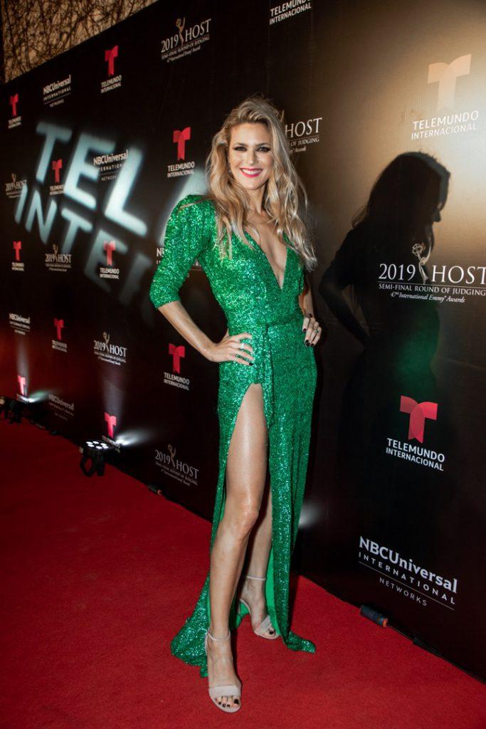 Emmy 2019 Una Red Carpet De Novela Looks De Celebrities Vestido Verde Vestidos Formales Largos Vestidos