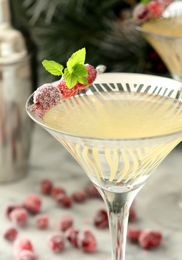 Modern Classics You Should Know: The Cosmopolitan -   17 holiday Cocktails vodka ideas