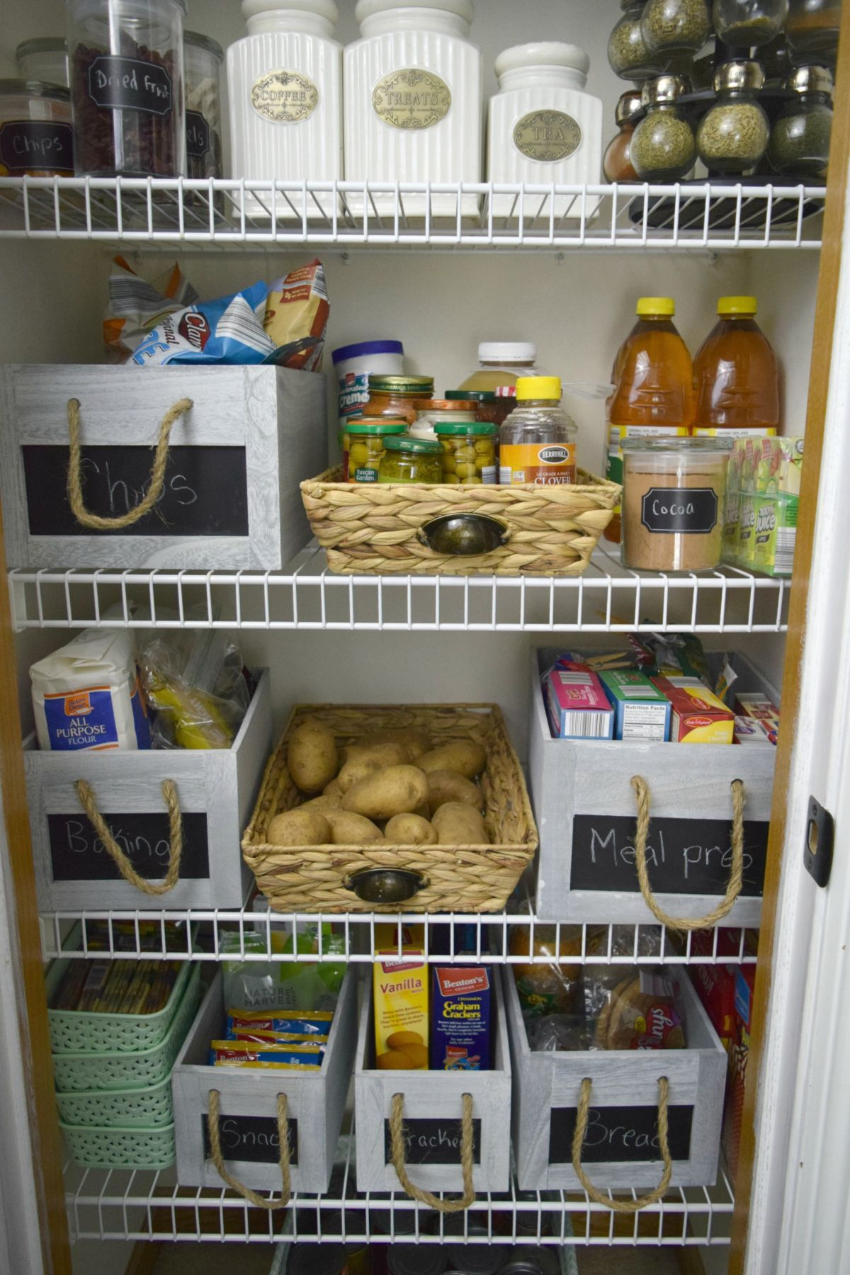 10 ways to achieve the most organized pantry ever - Organized Pantry