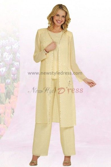 Modelo 1 para el matrimonio  Tallas grandes y puedes verlo en  http://www.newstyledress.com/mother-of-the-dresses-under-200/daffodil-spring-chiffon-three-piece-mother-of-the-bride-pants-set-with-long-coat.html