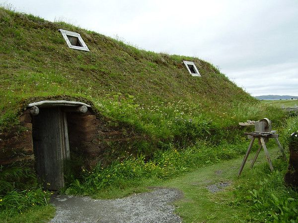Sod House En Socyr Somos Especialistas En Impermeabilizacion Con Epdm Resitrix Totalmente Adherido De Cubiertas Ajardin Turf House Natural Building Earth Homes