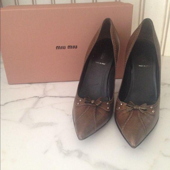 Miu Miu pumps Brown pumps w metal bow detail Miu Miu Shoes Heels