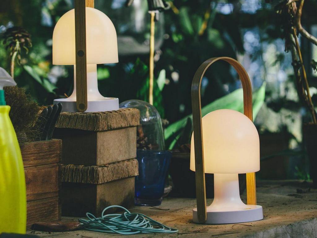 Luminaire Exterieur 4 Tendances A Adopter Joli Place Baladeuse Led Luminaire Lampes De Table