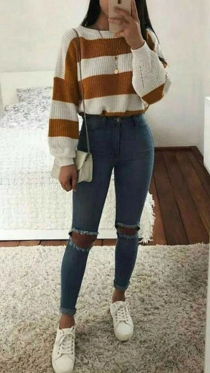 �29 Catchy School Outfit Ideas For Teen Girl In 2019 #schooloutfits #teenfashion #outfits | andro.com # outfit ideas for teen girls fashion