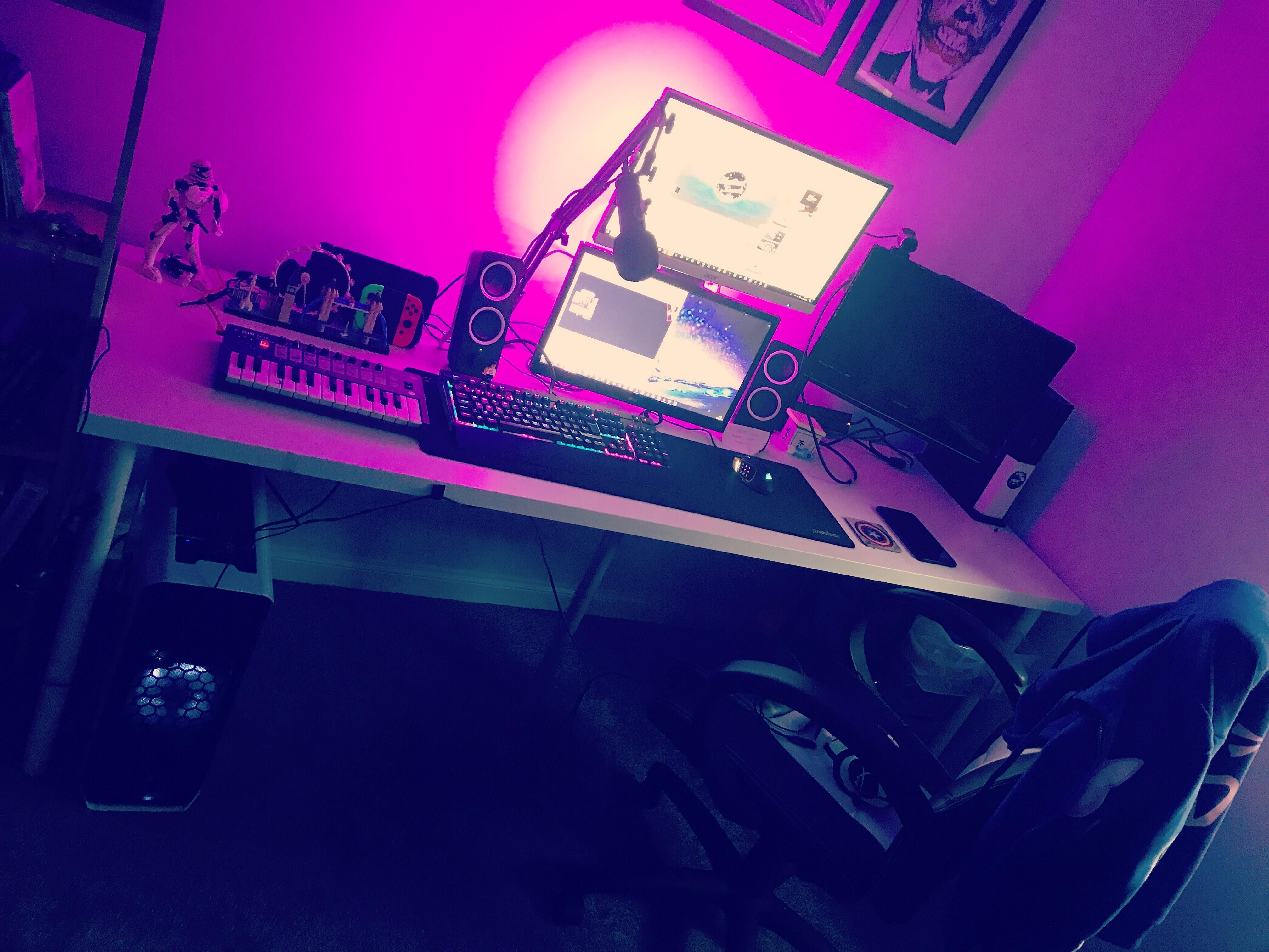 My gaming and streaming deck! Gaming Setup