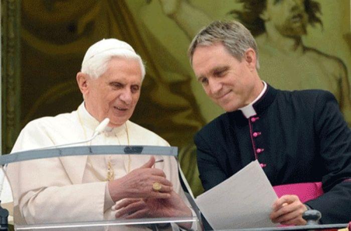 habla de la buena relación entre Benedicto XVI y Francisco
