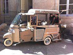 ... moto gourmet de Amorino, la forma más <b>chic</b> de desplazarse por Madrid