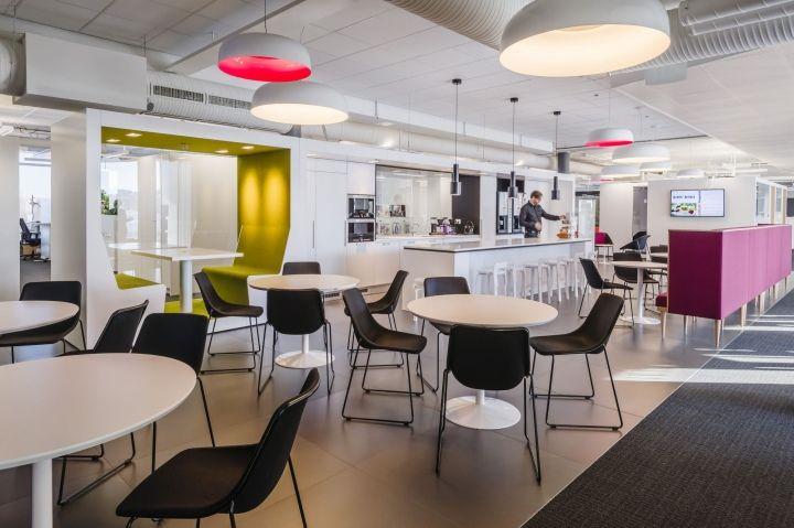 Alma-Media-headquarters-by-Gullsten-Inkinen-Design-Architecture-Helsinki-Finland