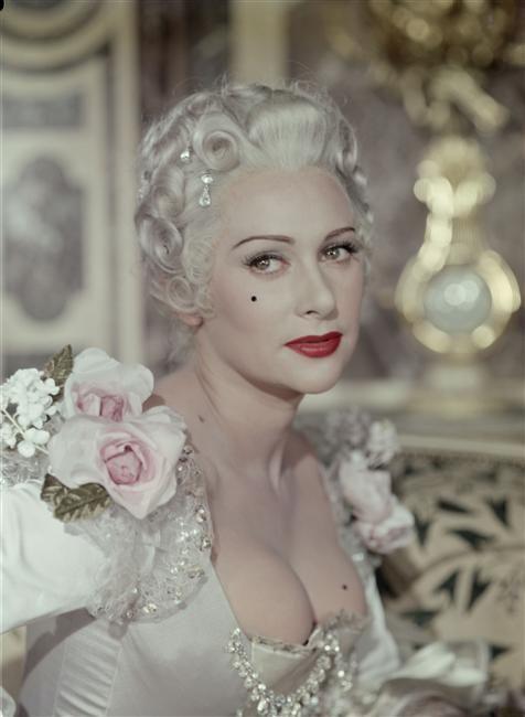 """Martine Carole - """" La Comtesse du Barry """" (1954) - Costume designers :  Marcel Escoffier & Monique Plotin   Actrice, Madame du barry, Marie  antoinette"""