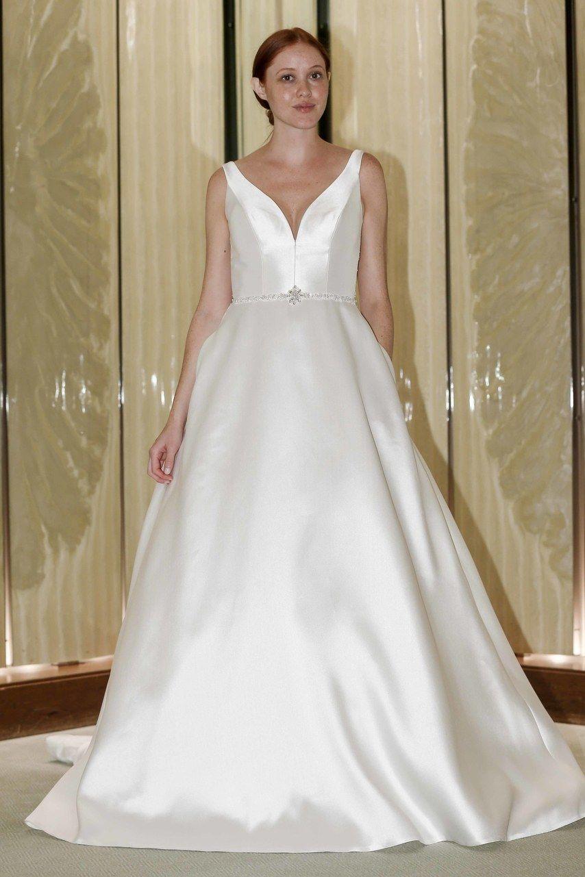 Randy Fenoli Bridal Fall 2019 Wedding dresses, Classic