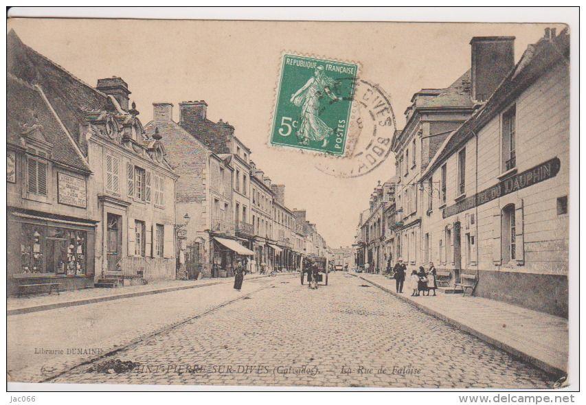 St Pierre-sur-Dives , rue de Falaise