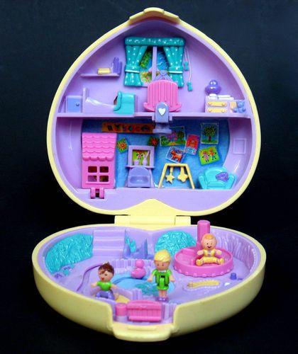 Polly Pocket Bluebird STROLLIN' BABY Babysitting Playset