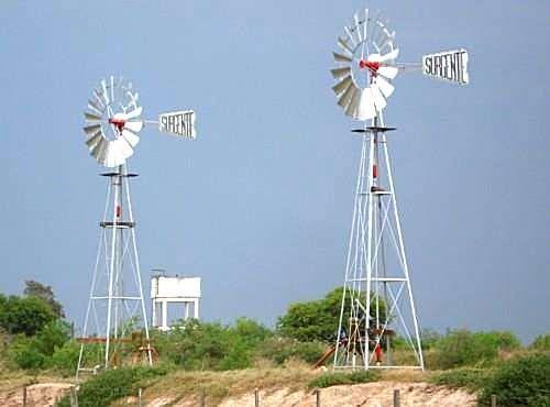 Resultado de imagen para Molinos de viento | VIENTO & ENERGIA ...