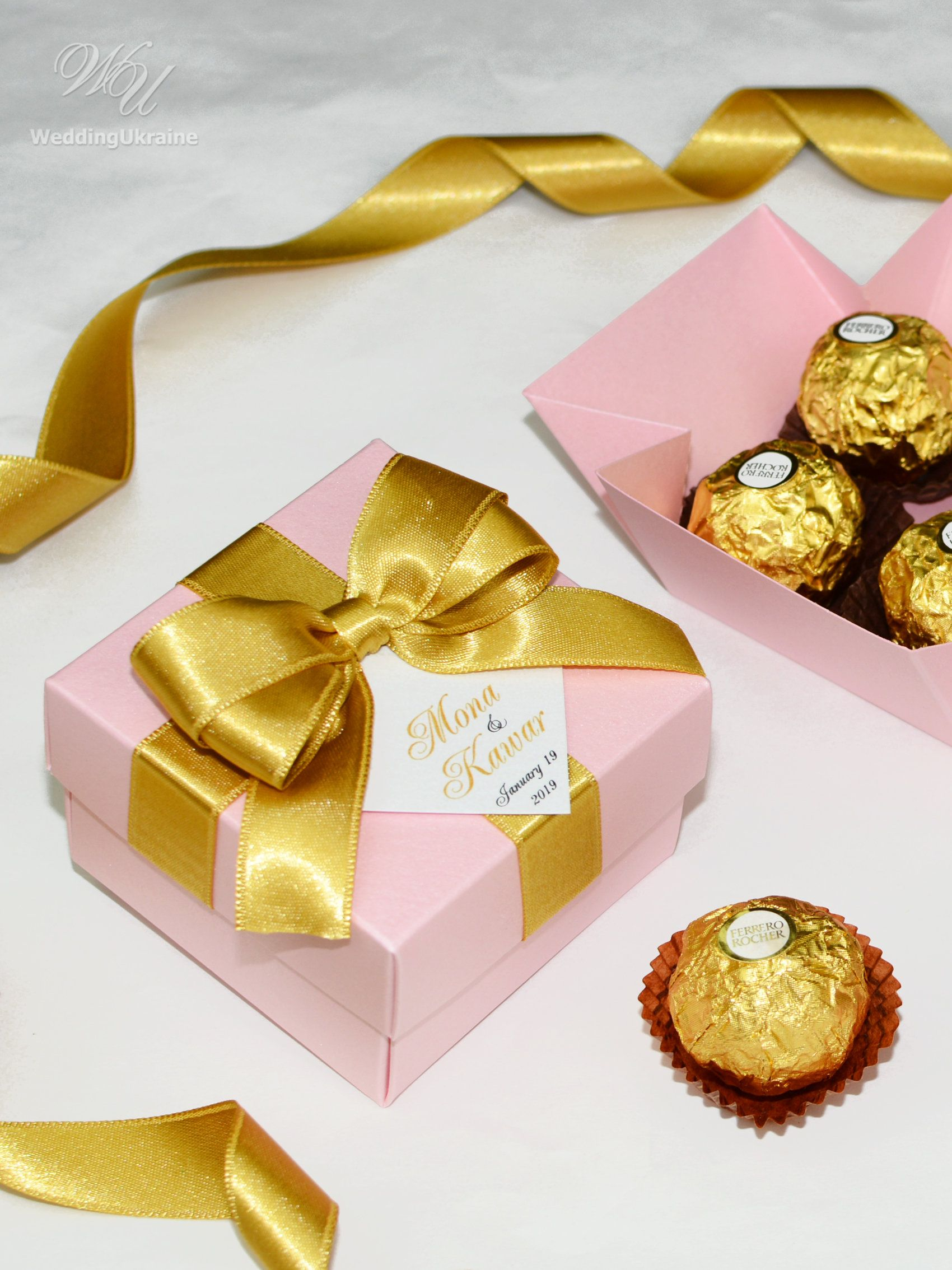 Elegant Wedding bonbonniere Personalized boxes for guests Light pink /& Gold wedding favor box with Gold satin ribbon bow and custom tag
