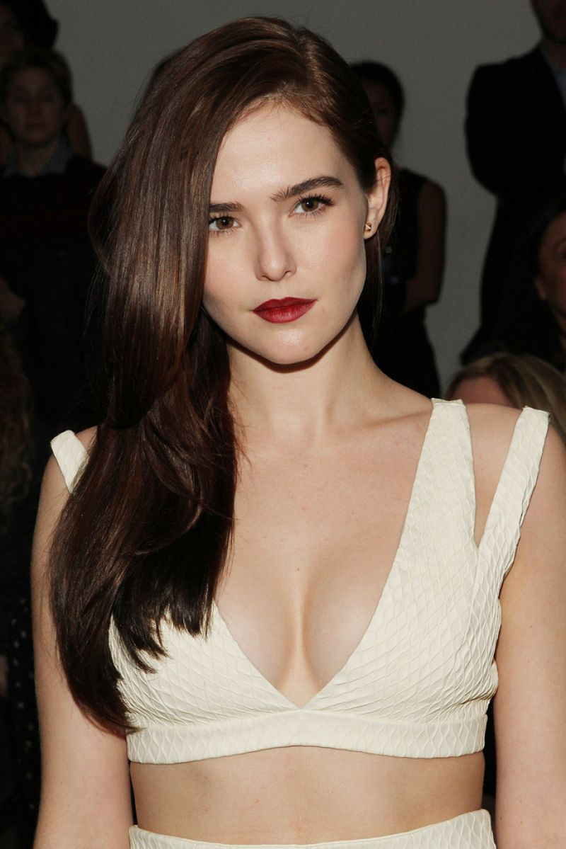 zoey deutch vk