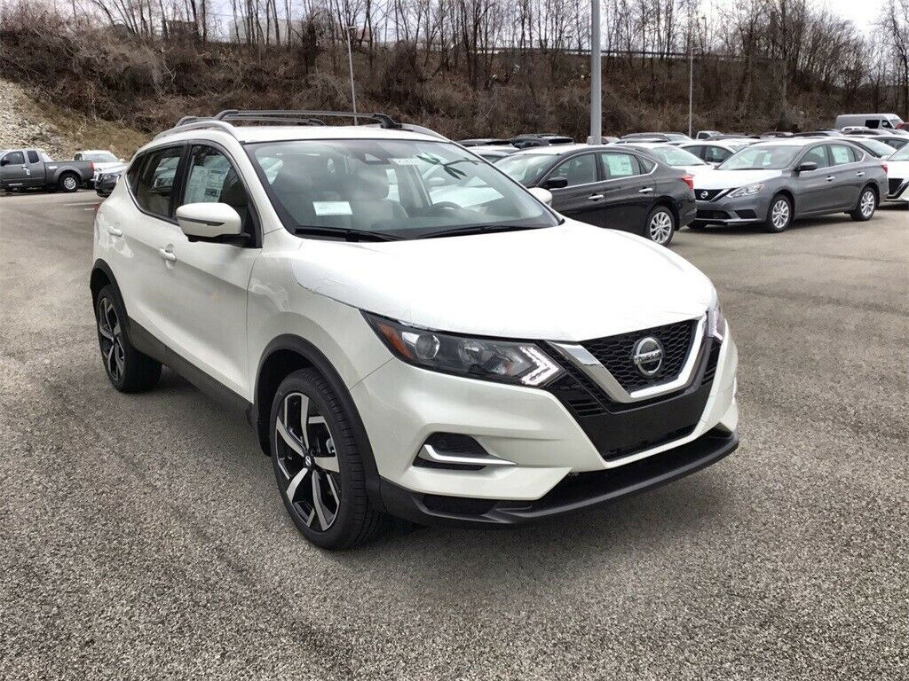 Used 2020 Nissan Rogue Sl Pearl White Nissan Rogue Sport With 0 Available Now 2020 In 2020 Nissan Sports Cars Dream Cars Audi Nissan Rogue