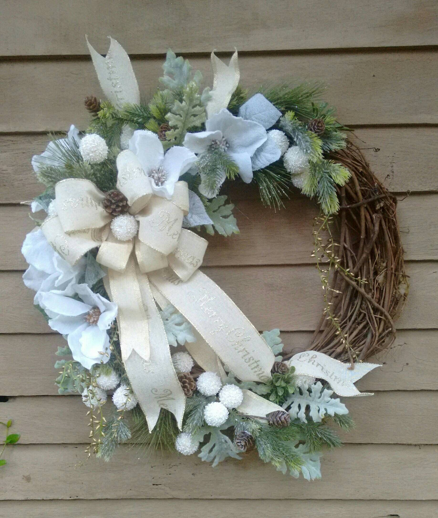 Christmas Wreath Southern Magnolia Christmas Wreath White Etsy Magnolia Christmas Wreath Diy Grapevine Wreath Grapevine Christmas