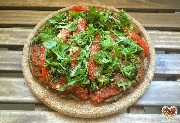Pizza De Harina De Garbanzos Y Cáñamo Receta Vegana Y Sin Gluten Receta Harina De Garbanzo Garbanzos Comida