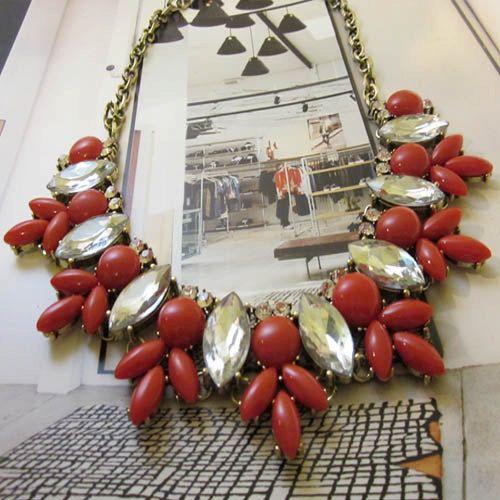 Anthropologie inspirado del grano rojo Cluster gota por LeBeautical